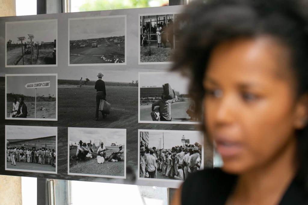 Elas focaram em imagens de negros na história de Brasília, desde a construção até o fim dos anos 1990