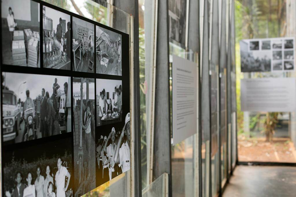 As imagens revelam, em preto e branco, quem eram os candangos tão mitificados na história da cidade