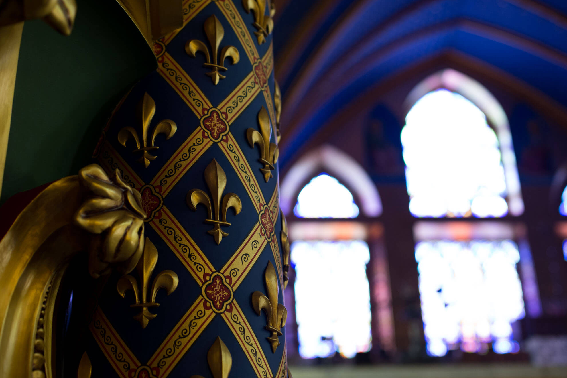 Na basílica funciona o grande seminário dos arautos, onde estudam os jovens maiores de 18 anos