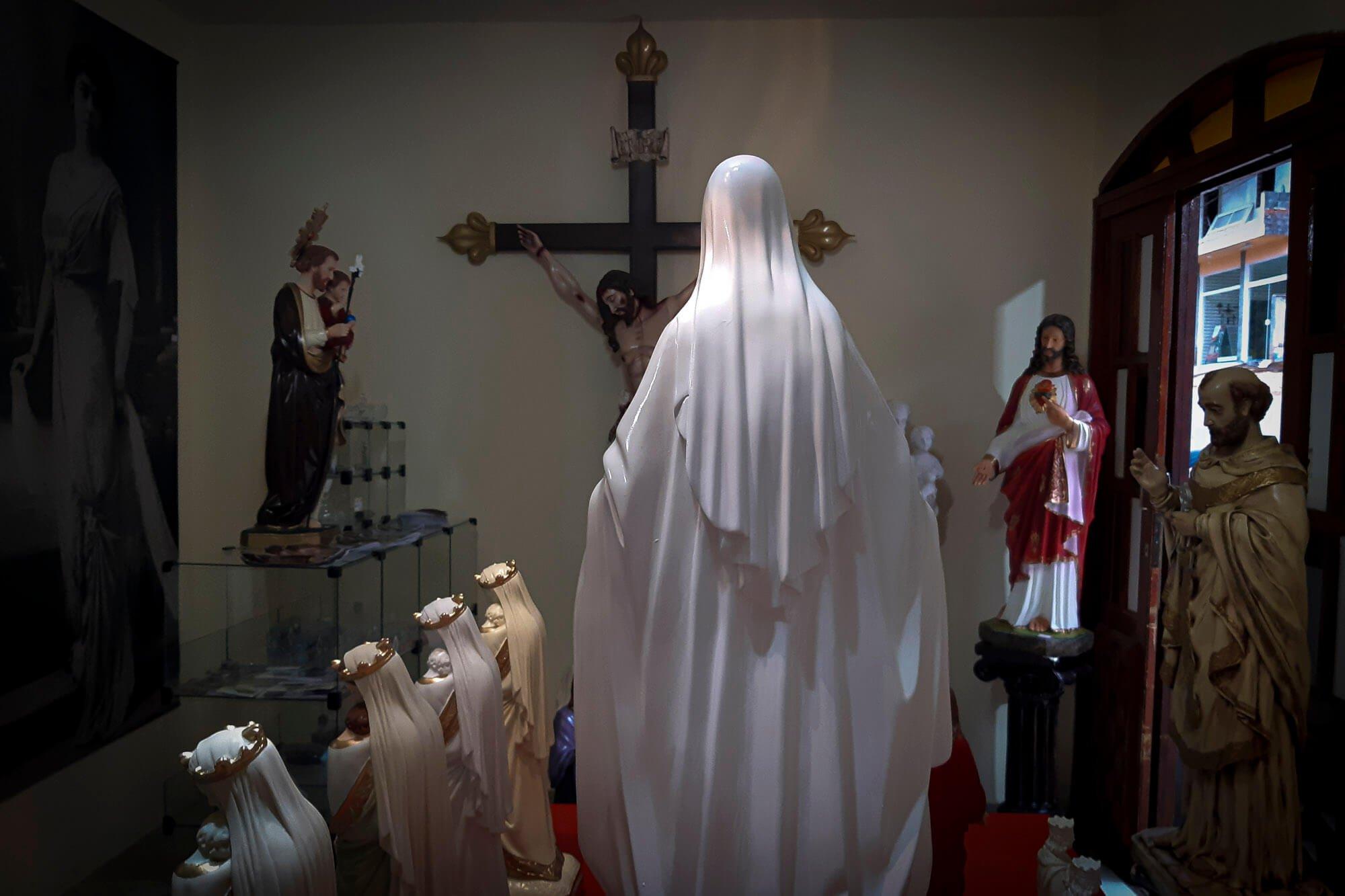 Os arautos usam em vários de seus produtos a imagem de Nossa Senhora de Fátima