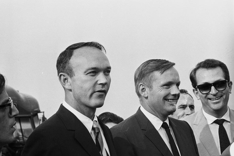 Michael Collins e Neil Armstrong no desembarque