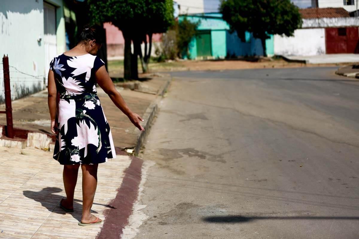 O último namorado de Cristiane a matou no meio da rua e a cena foi filmada por câmeras de segurança