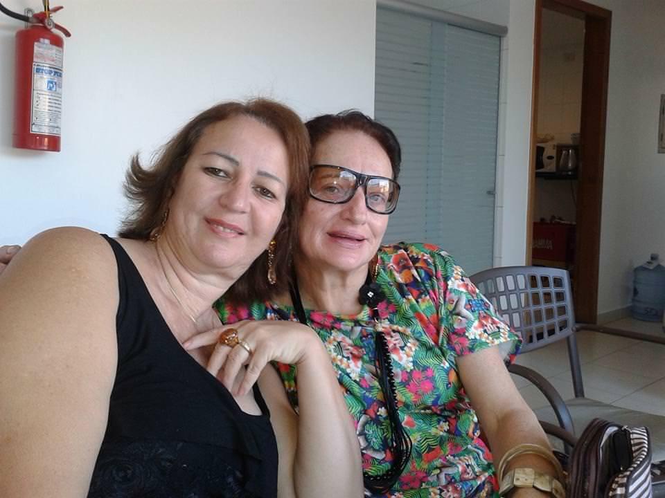 A família se preocupava com o relacionamento do casal. Na foto, Diva aparece com a irmã Sandra Maia