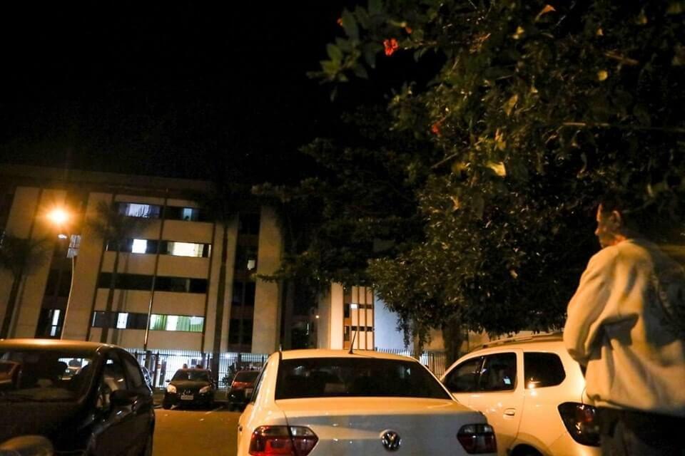 Os dois casais se cruzaram antes do crime no pilotis do prédio localizado no Cruzeiro