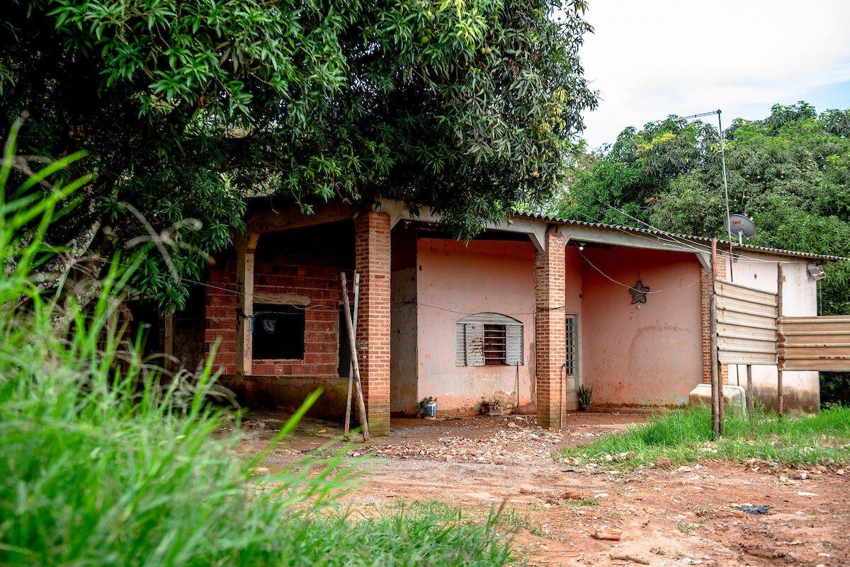Gláucia Sotero foi assassinada na casa cor-de-rosa onde morava no Sol Nascente