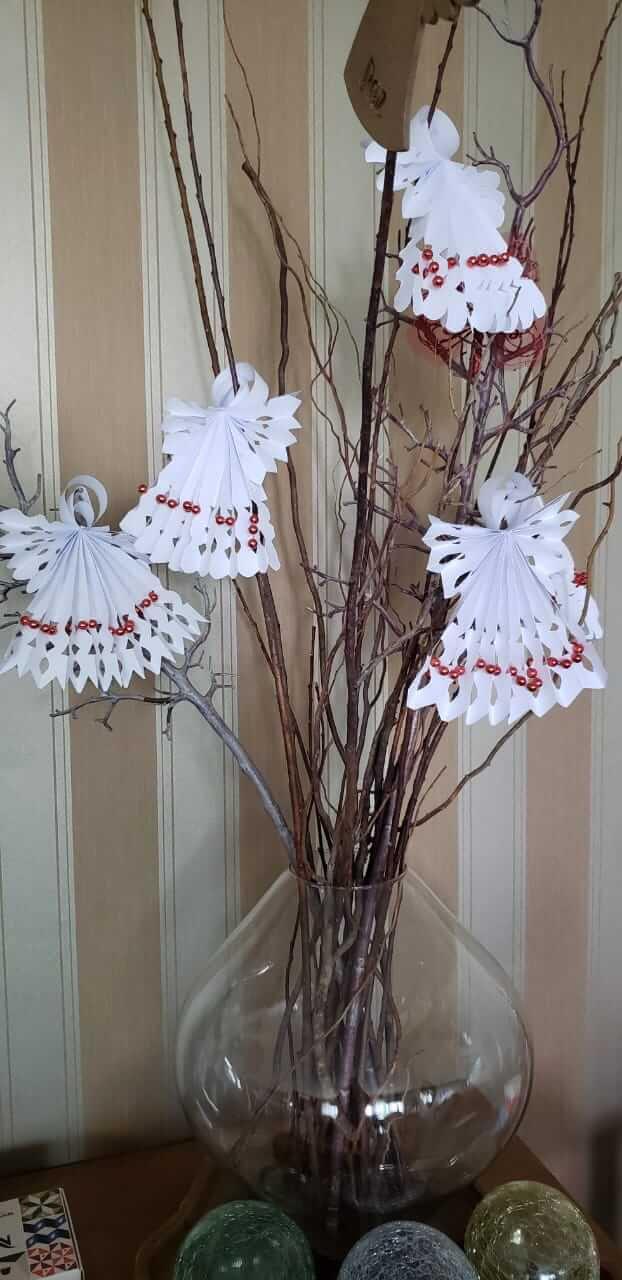 Os origamis dobrados pelas mãos de Luciana enfeitaram o Natal da sede do Tribunal Superior Eleitoral (TSE). Eles estão lá até hoje
