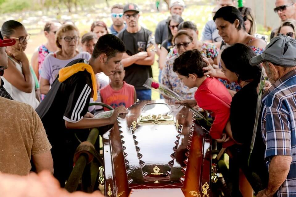 Necivânia deixou quatro filhos e uma família desolada
