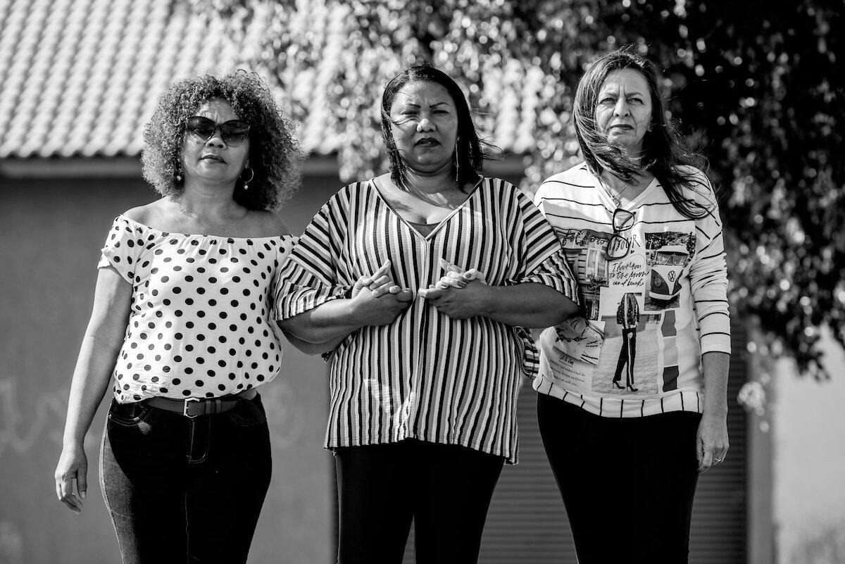 Elisa Maria Araújo, Claudia Regina Carvalho e Francisca Maria Rodrigues lembram com carinho da amiga Lina