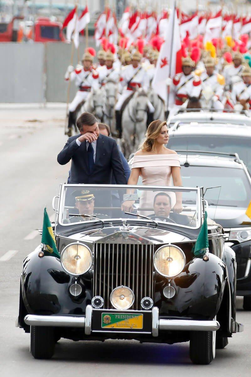 Michelle Bolsonaro apareceu pela primeira vez para a maioria da população no dia da posse, 1° de janeiro de 2019