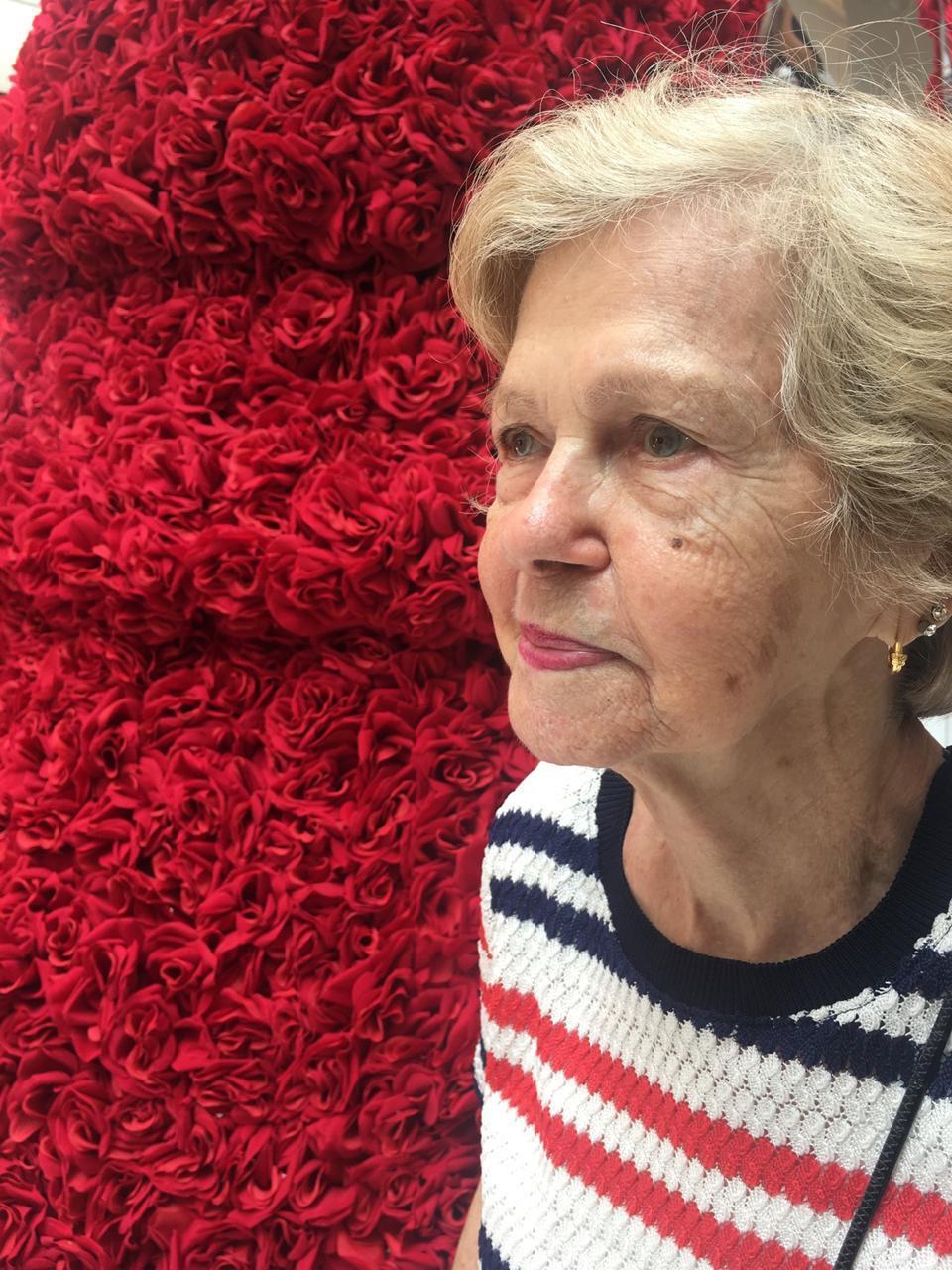 Mariana de Oliveira, 89