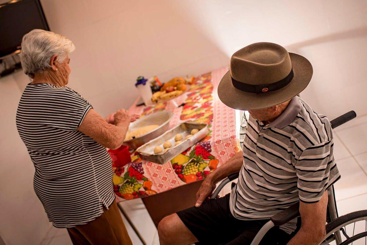 Após Jair sofrer um AVC, Maria Luiza assumiu sozinha o cuidado do marido