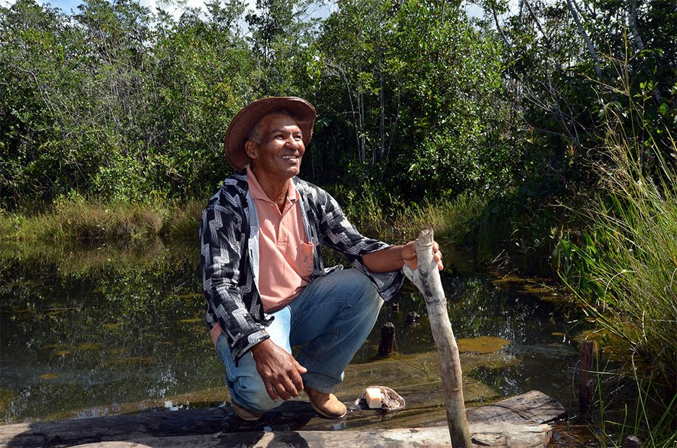 """Juscelino Brito, presidente de associação de ribeirinhos: """"Arma de pobre é porrete"""". Foto: Gilberto Alves/Especial para o Metrópoles"""