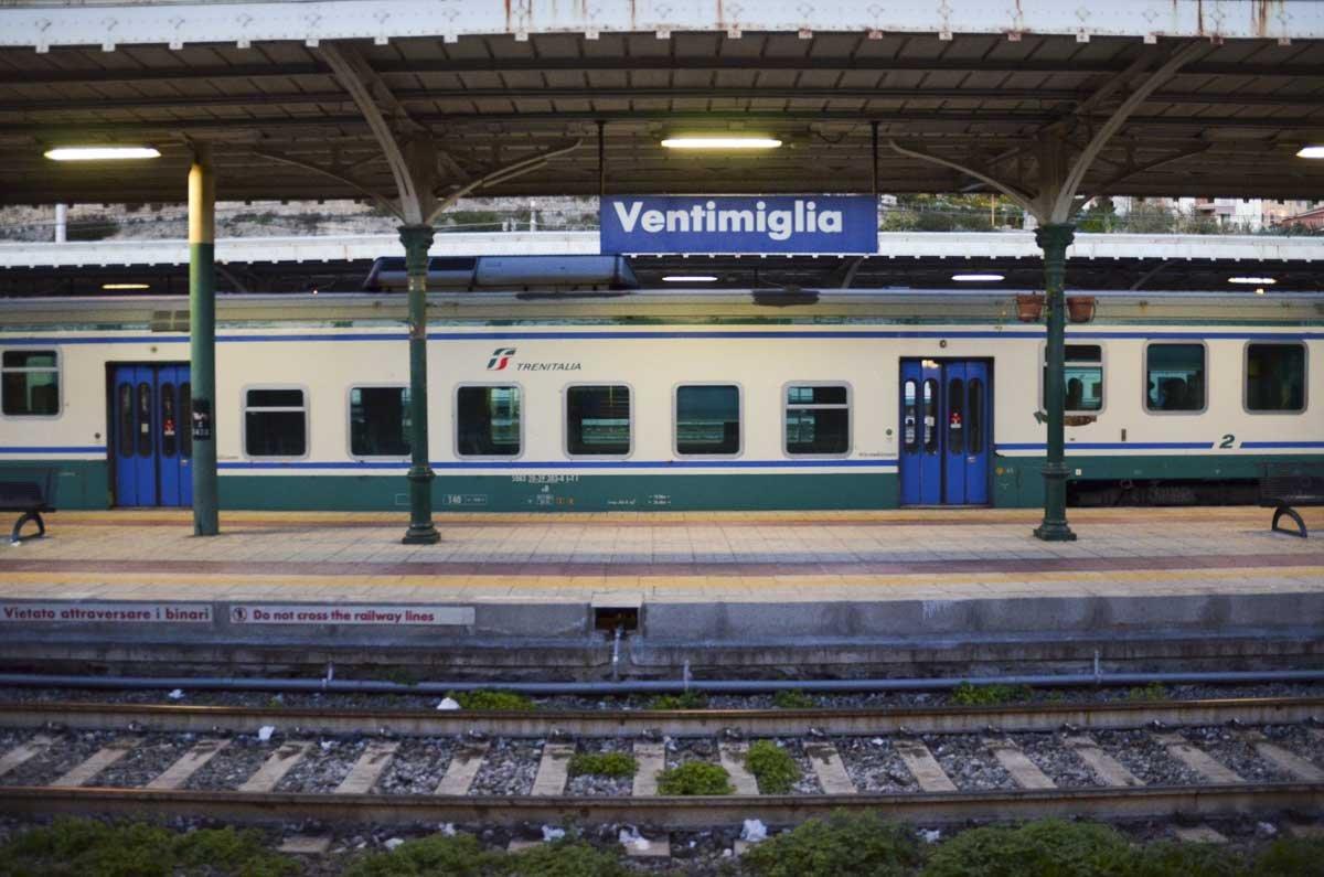 A estação de trem é o ponto de partida de milhares de migrantes em busca de uma vida melhor
