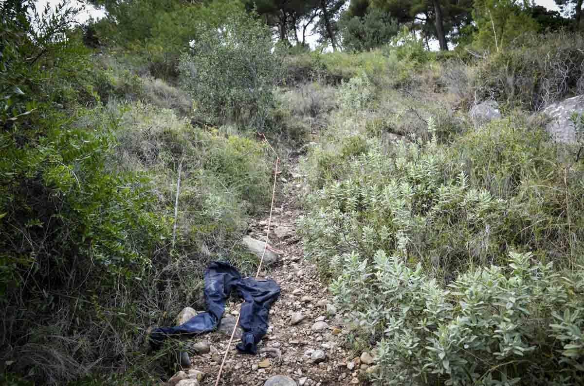 O gradil na fronteira franco-italiana é a última barreira que milhares de migrantes encontram antes de colocarem os pés na França